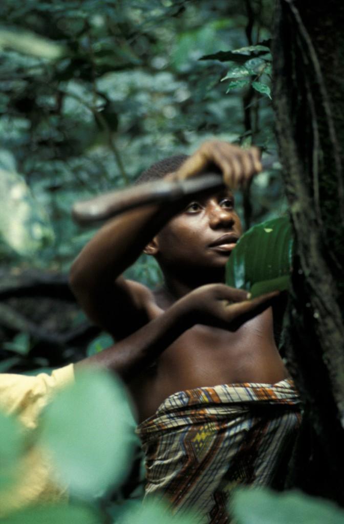 KraeuterfrauZAR-672x1024 Zentralafrikanische Republik
